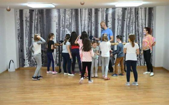"""Završetak projekta """"Most razvoja"""" i besplatne škole plesa u Tuzli"""